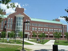 Cladirea cercetare - University_of_Louisville_(1058)[1]