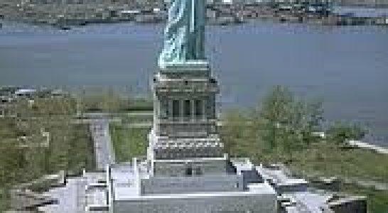 Mărețele statui